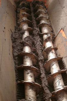 Vue intérieure de remorque broyeuse mélangeuse andaineuse
