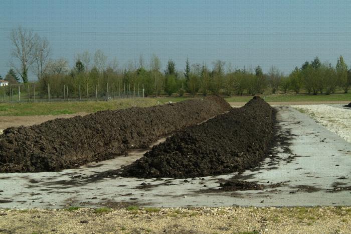 Andain de compost sur plateforme de Lanxade